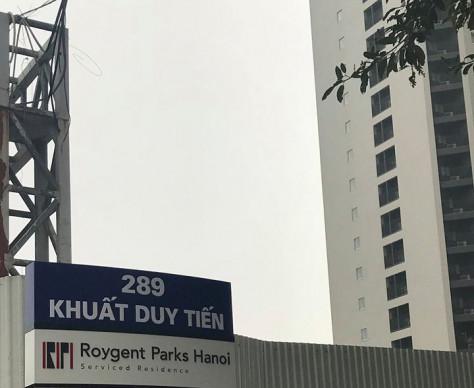 Roygent Parks Hanoi 案内看板 / Bảng chỉ dẫn đến Roygent Parks Hanoi